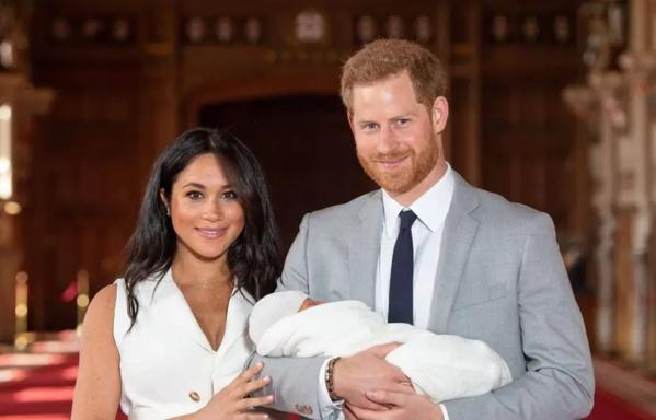 Le prince Harry et Meghan Markle annoncent la naissance de leur fille