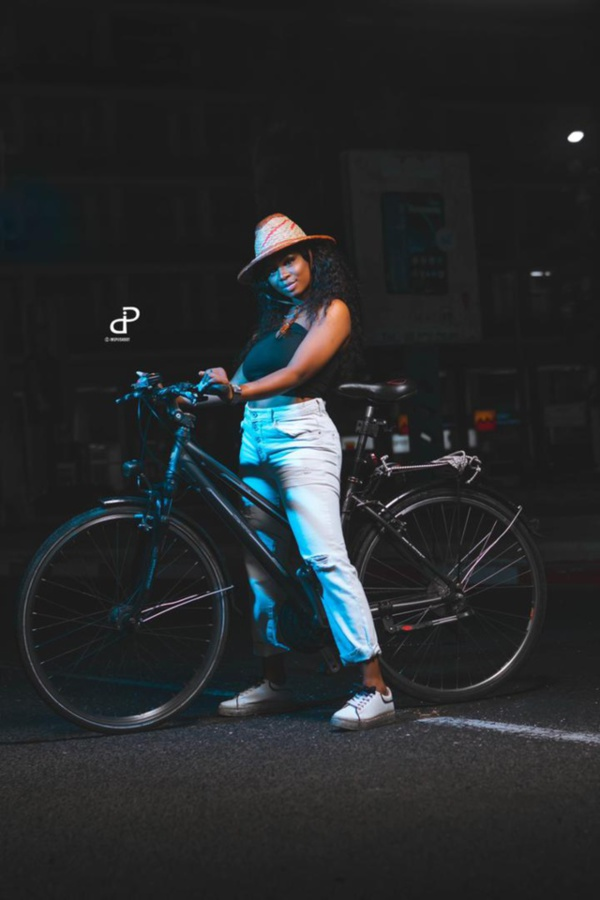 Ce que prépare la chanteuse Dieyna, l'ex de Diop ISEG