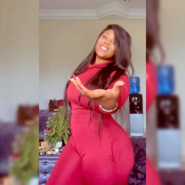 Les nouvelles images de la  jetsetteuse Amina Saleh et sa vie de luxe