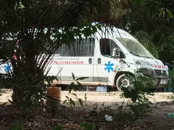 Hôpital de Ziguinchor : Un médecin stagiaire s'occupe du service de réanimation…
