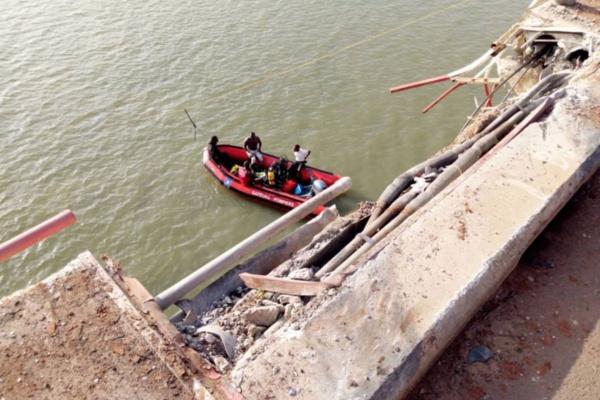 Dernière minute : Chute d'un camion au niveau du pont Emile Badiane