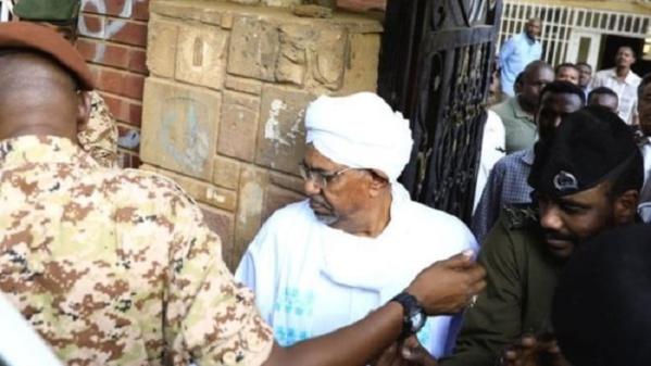 Soudan: des réticences au transfert d'Omar Béchir à la CPI ?
