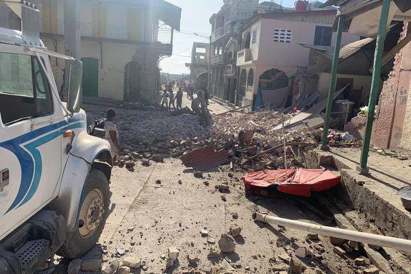 Un séisme de magnitude 7.2 secoue Haïti