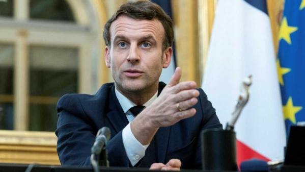 """Emmanuel Macron : """"l'Afghanistan ne doit pas redevenir le sanctuaire du terrorisme"""""""