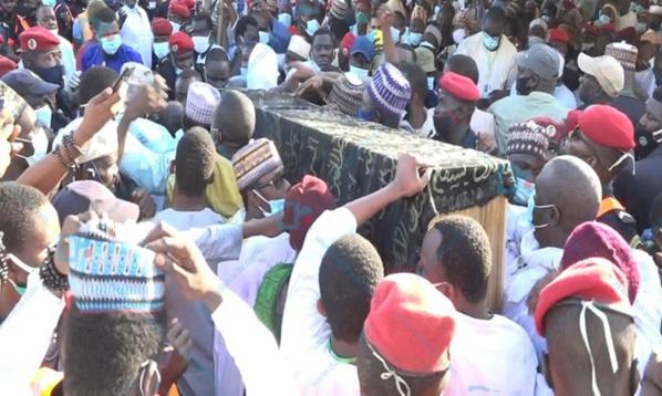 Inhumation ABC : le cortège mortuaire a quitté l'hôpital Principal