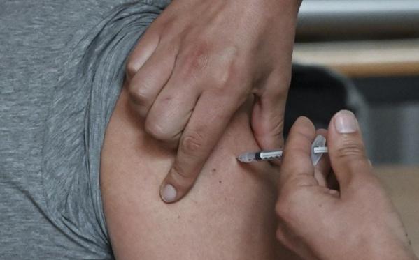 Vaccination anti Covid-19 : près de 50.000 morts évitées en France ?