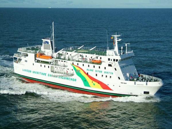 """immobilisation du bateau """"Aline Sitoé Diatta"""" : Le Cosama cache t-il la vérité aux Sénégalais ?"""