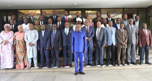 Guinée : Les anciens ministres de Condé interdits de sortir du pays !