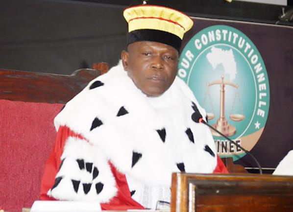 Guinée : Le passeport du président de la Cour constitutionnelle confisqué
