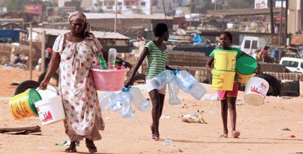 Confronté au manque d'eau potable Foss Tague se rebelle