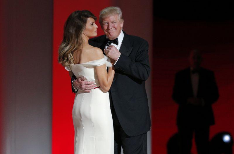 La première danse de Donald Trump et Melania