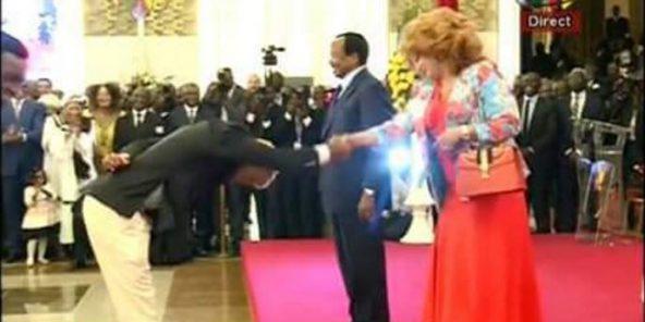 Cameroun : les Lions indomptables osent le BidoungChallenge devant Paul et Chantal Biya