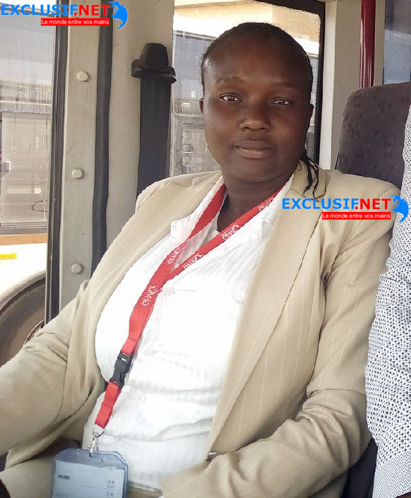 Voici la toute première conductrice de bus Dakar Dem Dikk