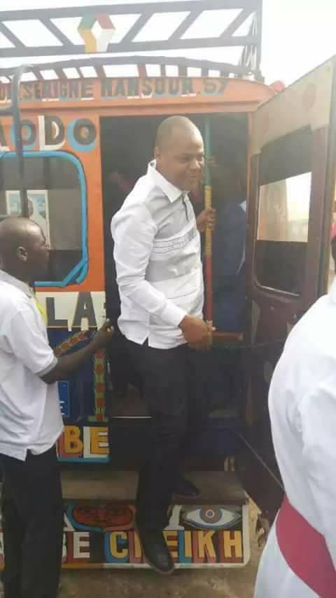 """Photos: Le ministre Mame Mbaye Niang dans un """"Car rapide"""""""