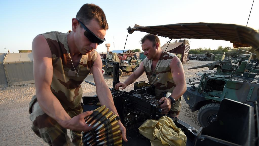 Mali: l'armée française «neutralise» une vingtaine de «terroristes»