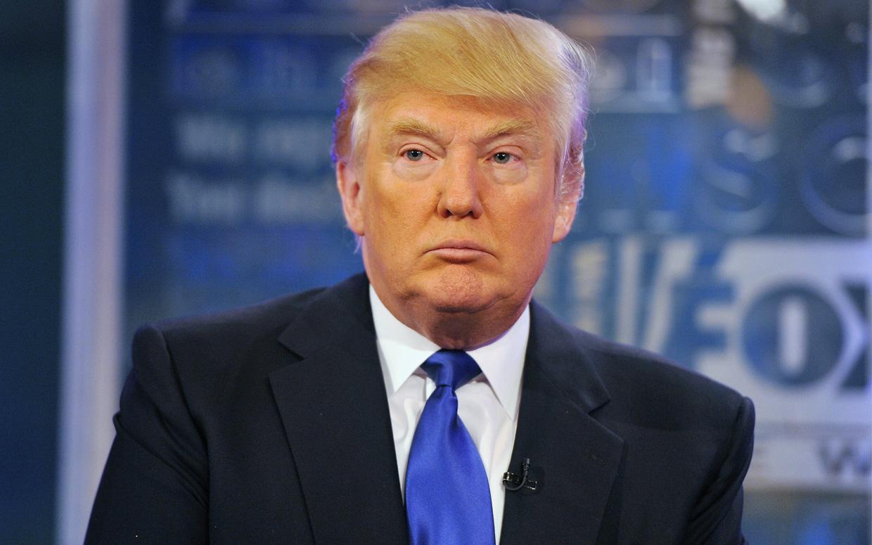 Donald Trump critiqué pour avoir limogé le directeur du FBI