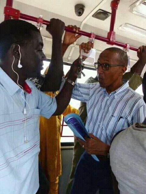 Abdoul Mbaye courtise toujours les usagers de Dakar Dem Dikk