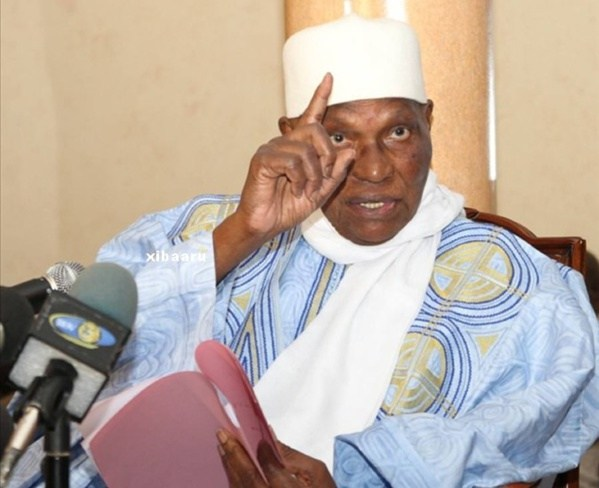 Me Wade aux Sénégalais: « Allez mardi devant les préfectures pour exiger vos cartes »