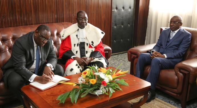 Législatives : Macky saisit le Conseil constitutionnel