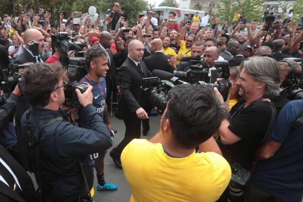 Neymar en a déjà mis plein les yeux à Paris