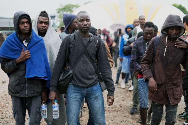 Migrants à Paris : la police aurait empêché la distribution de petits-déjeuners