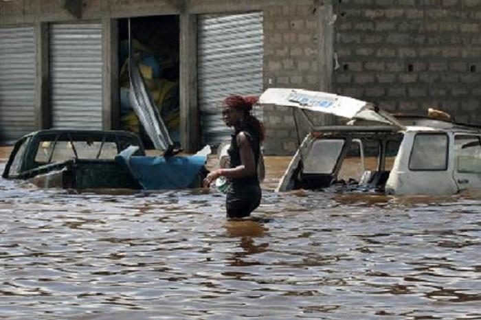 Inondée: la gare routière de Ziguinchor délocalisée d'urgence sur la place...