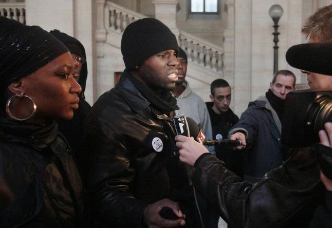 Kémi Séba est arrivé ce matin à Paris: sa première réaction