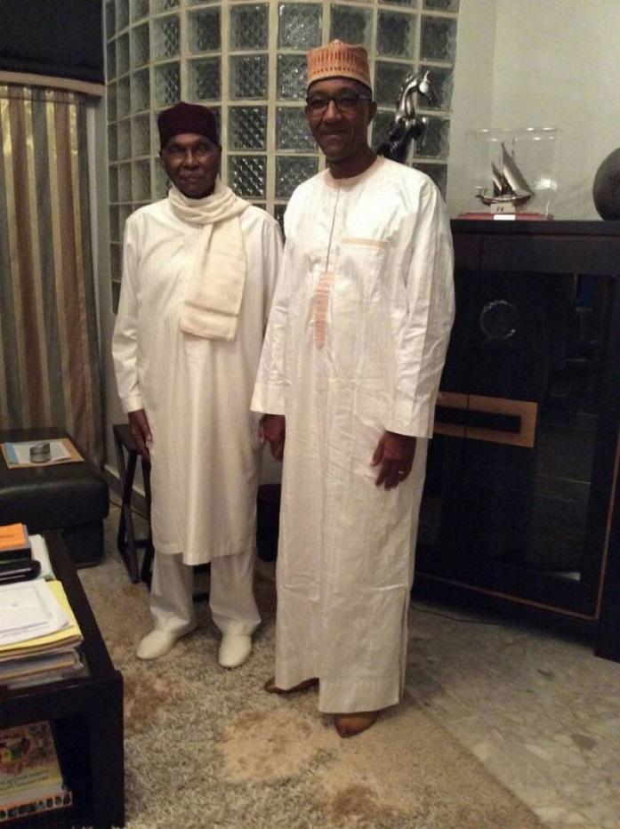 Abdoul Mbaye longuement reçu par Me Wade