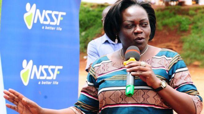 Une ministre se déguise pour démasquer des médecins corrompus