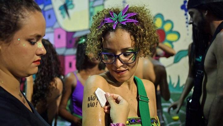 Harcèlement sexuel: le carnaval de Rio n'est pas une fête pour tout le monde