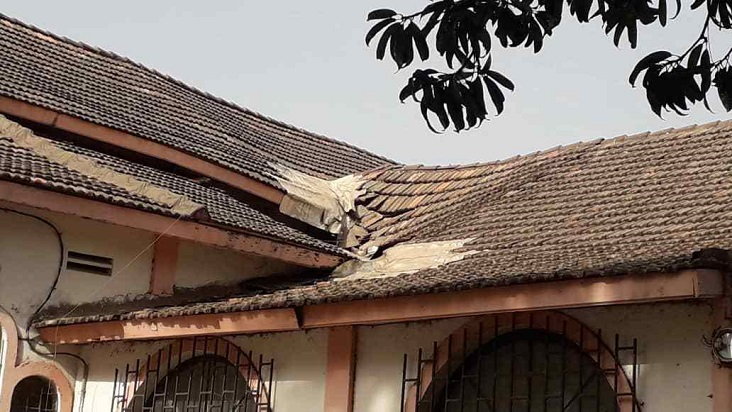 La toiture de la Cathédrale saint Antoine de Padoue de Ziguinchor s'écroule (Photos)
