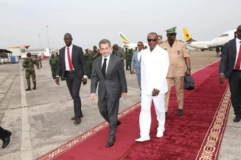 Les allers retours de Sarkozy en guinée intriguent
