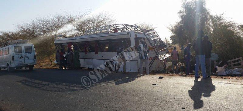 Le bus de l'ISEG Sports se renverse sur la route de St Louis