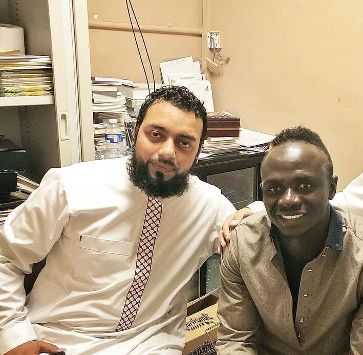 """Le témoignage de l'imam d'une mosquée de Liverpool sur Sadio Mané: """" Ce n'est pas quelqu'un qui recherche la lumière..."""""""
