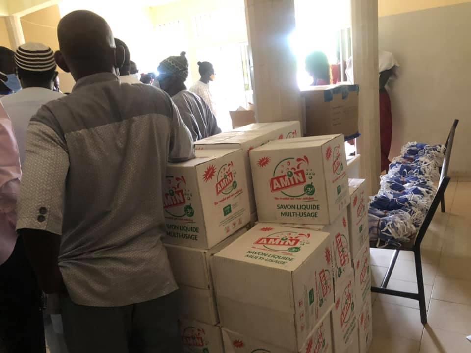Coronavirus: Le ministre Oumar Youm sécurise le département de Mbour avec  des produits sanitaires...