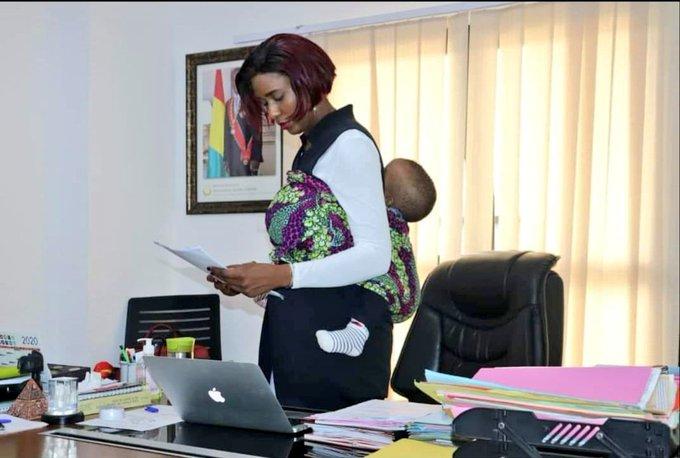 Cette image de la cheffe de cabinet du ministère des sports en dit beaucoup sur elle !