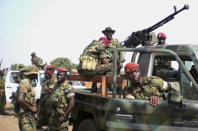 Guinée: Un camp militaire attaqué, un colonel de l'armée tué !