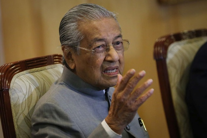 Pour l'ex-Premier ministre malaisien Mahathir, les musulmans ont le droit de se venger des Français