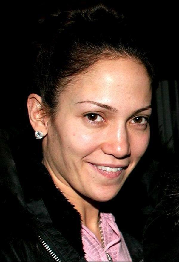 Jennifer Lopez : sans maquillage, elle dévoile sa marque de beauté