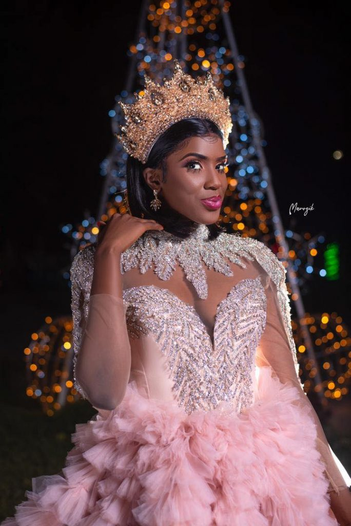 """La chanteuse Sokhou Bb dans une magnifique robe """"Barbie"""", secoue la toile ! (Photos)"""