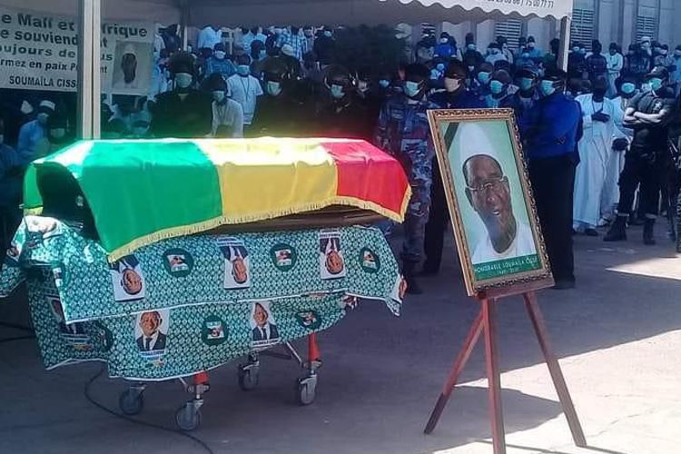 Mali: Une foule nombreuse a accompagné le Président Soumaïla Cissé en sa dernière demeure