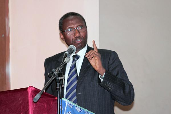 Présidentielle 2024 : Me Doudou Ndoye valide la candidature de Macky Sall