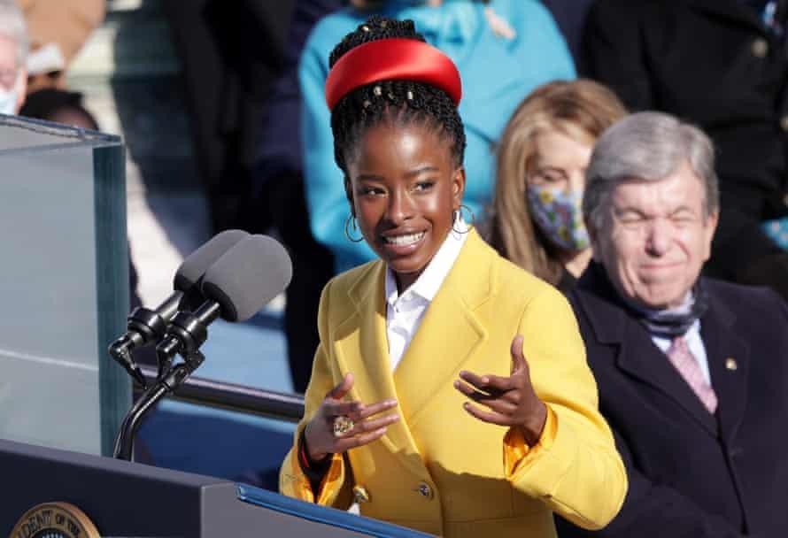 Qui est Amanda Gorman, la poétesse noire qui a fait sensation lors de l'investiture de Joe Biden ?