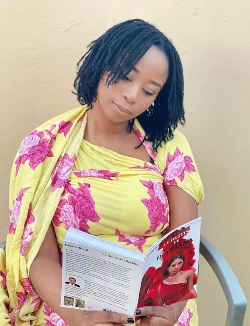 Adiouza et le livre « le destin de Diariana »