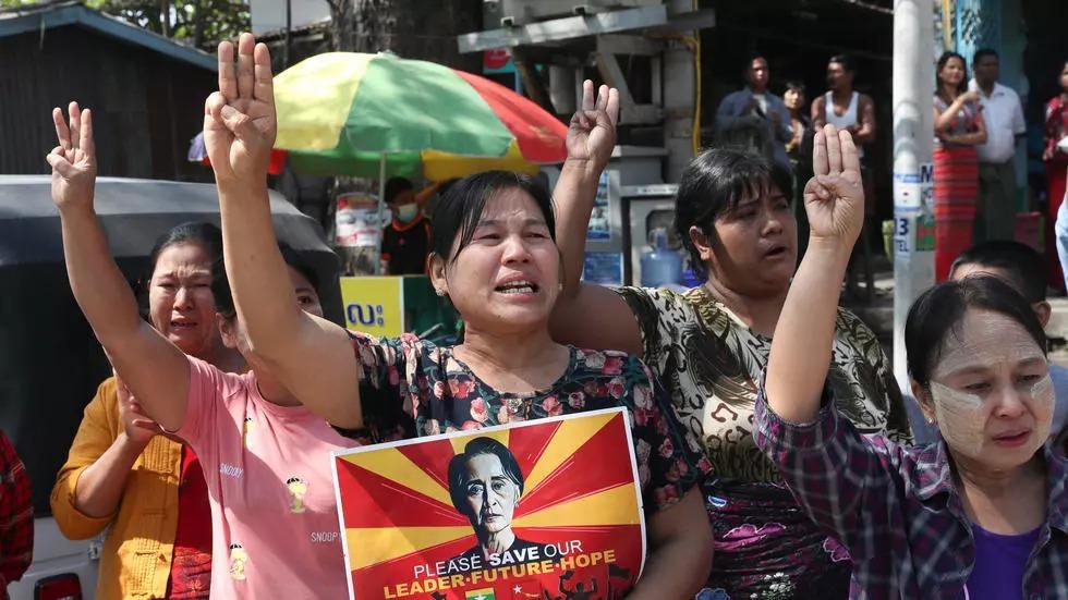 Birmanie: les femmes en première ligne