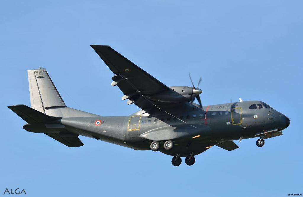 Patrouille maritime : Un avion CN235 livré au Sénégal