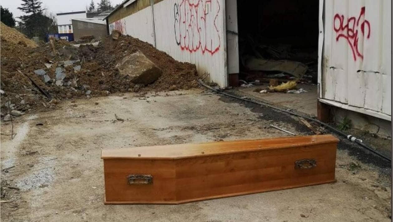 Touba : Un cercueil abandonné en pleine rue suscite la panique