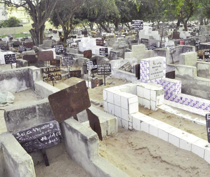 Inédit à Ziguinchor: 04 kg de chanvre indien retrouvé au cimetière de Belfort