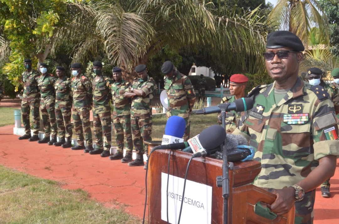 Le CEMGA visite les tombes des militaires disparus à Babonda (1995) et Mandina Mancagne(1997)