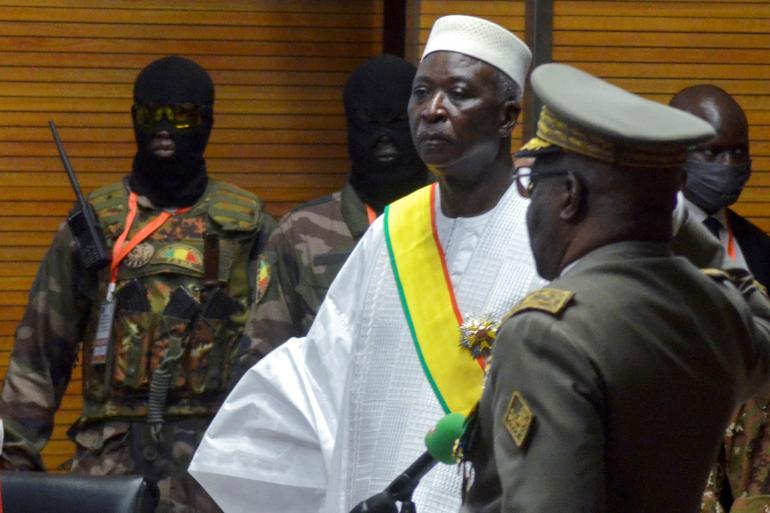 Coup d'État au Mali: Le président de la transition et son PM arretés